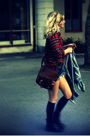 black H&M boots - red GINA TRICOT shirt - blue Levis shorts - brown vintage