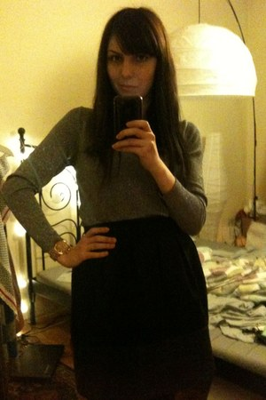 tan Michael Kors watch - black Zara skirt - red Jeffrey Campbell heels