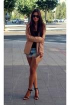 Bershka blazer - Primark bag - Zara shorts - Stradivarius sandals