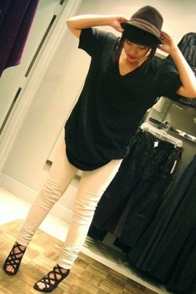 Urban Outfitters hat - Forever21 t-shirt - Blank jeans