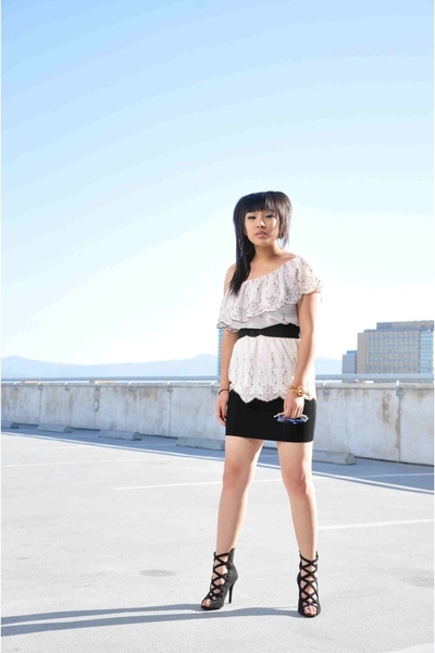 Charlotte Russe top - vintage belt - f21 skirt - Bakers shoes - Ray bans sunglas