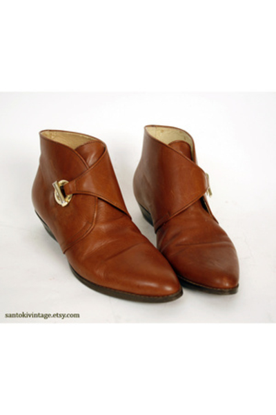 www.chictopia.com/photo/show/41820-ankle%2Bboots-etienne-aigner-shoes