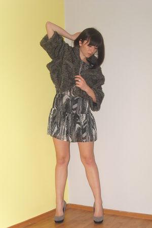 gray Mango dress - Zara jacket - Retro shoes