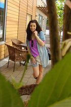 Zara top - Aldo boots - Aritzia shorts - Forever 21 t-shirt