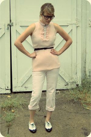 pink isaac mizrahi shirt - pink I dont remeber pants - black borrowed from my fr