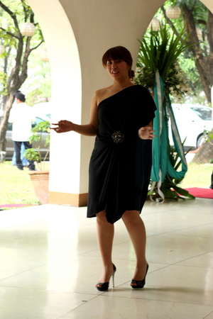 black Nordstrom dress - black Carlos Santana shoes