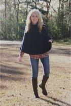 navy Gap cape - dark brown Clarks boots - navy Lucky Brand jeans
