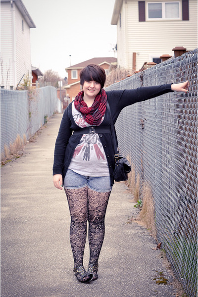 black lace leggings - heather gray Atticus shirt