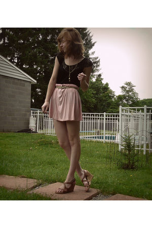 black Target blouse - beige Smithsonian necklace - pink f21 skirt - beige shoes