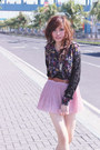 Black-laced-long-sleeved-floral-top-top-light-pink-pink-pleated-skirt-skirt