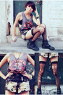 Black-boots-black-shorts-black-socks-heather-gray-top-brick-red-necklace