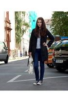 black trench Zara coat - brown chucks Converse shoes - shirt H&M