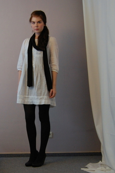 white Zara dress - black wedges H&M shoes - black American Apparel scarf