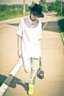 Akubra-hat-grimoire-hat-vintage-shirt-neon-ebay-sneakers