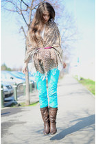 animal print Pashmina scarf - brown Deichmann boots - sky blue Terranova pants