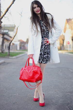 red La Strada shoes - blackwhite H&amp;M dress - white H&amp;M coat - red H&amp;M bag