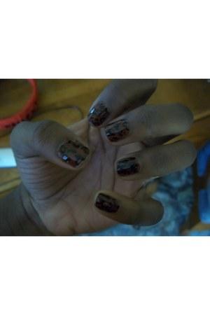 black accessories - dark brown accessories