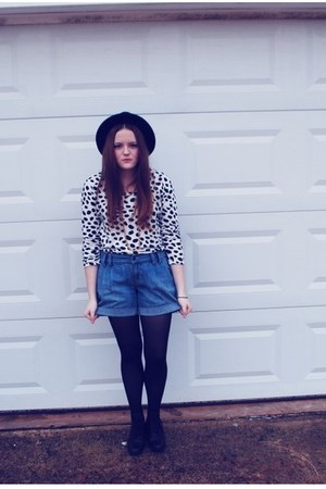 polka dots Forever 21 blouse - H&M hat - Old Navy shorts