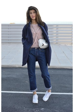 blue woolen choiescom coat - denim Levis jeans - dusty pink chicnova sweater