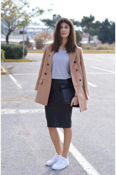 camel choiescom coat - white airmax90 nike sneakers - faux leather Zara skirt