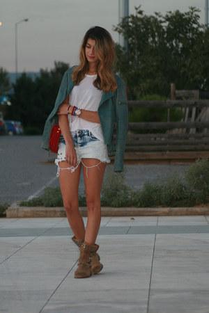 Zara boots - Bershka shorts