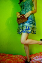 green dress - brown shoes