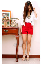white shopvintagefindsmultiplycom blazer - red hi waist Zara shorts - pearl bib
