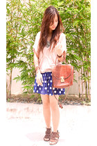 blue polka dot shorts - light pink top