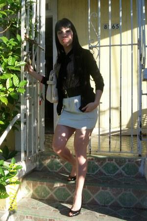 black cotton Gap cardigan - ivory high-waist skirt - Valija Gitana top