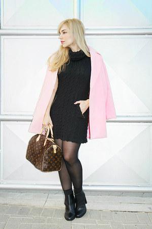 Chiceru coat - Louis Vuitton bag