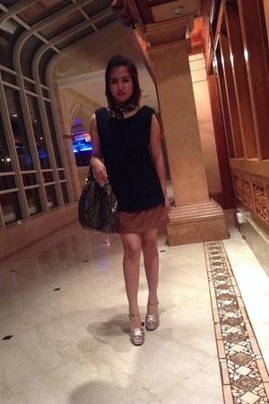 Celine dress - Moschino scarf - Gucci bag - sam edelman heels
