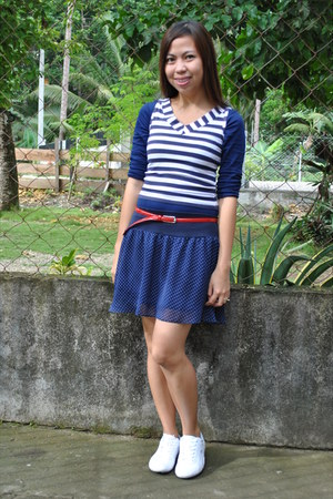 top - Lacoste shoes - red belt - skirt