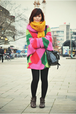 mustard H&M scarf - brown In london shoes