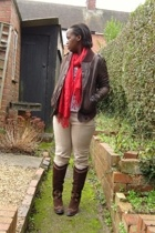 Topshop jacket - Market scarf - H&M t-shirt - Zara pants - Clarks boots