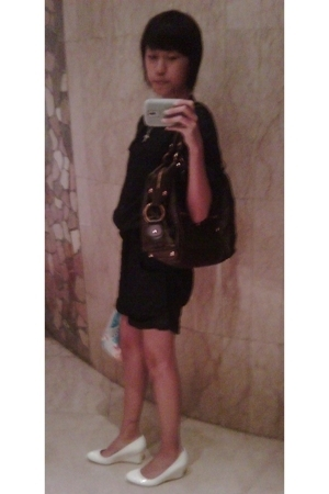 Zara shirt - Tods purse - Charles and Keith shoes