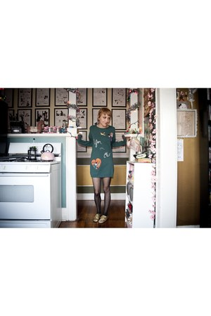 forest green thrifted vintage sweater - black xhilaration tights - penny loves k