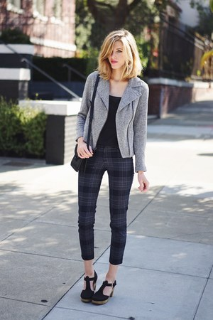 heather gray Old Navy sweater