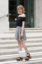 white 1 state skirt - black Topshop top - black free people clogs