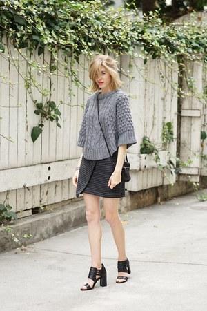 heather gray banana republic sweater - navy madewell skirt