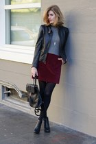 maroon Gap skirt