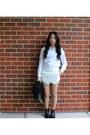 Boots-white-shirt-shirt-white-skort-seams-theory-shorts