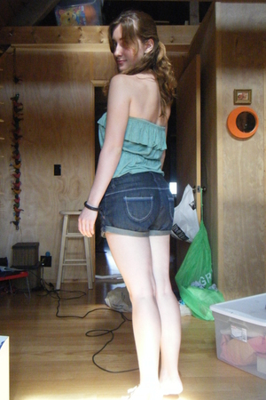 Urban Outfitters shirt - American Eagle shorts