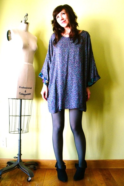 gray vintage dress - gray American Apparel tights - black Victorias Secret tight