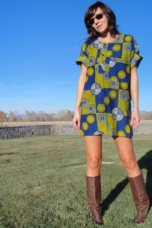 vintage dress - unknown boots - Ray Ban sunglasses