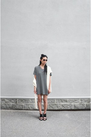 black brandy melville dress - beige Zara sweater