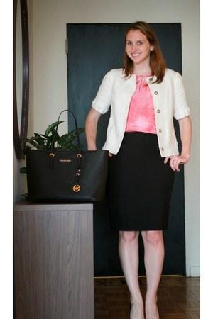 black pencil skirt ann taylor skirt - white banana republic jacket