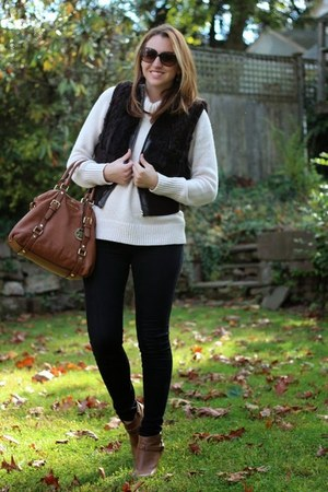 white knit Old Navy sweater - burnt orange ankle boots kohls boots