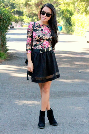 black mesh Forever 21 skirt - black tassel Ross bag - pink floral Forever 21 top