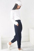 white sammydress sweater - high waisted Front Row Shop pants