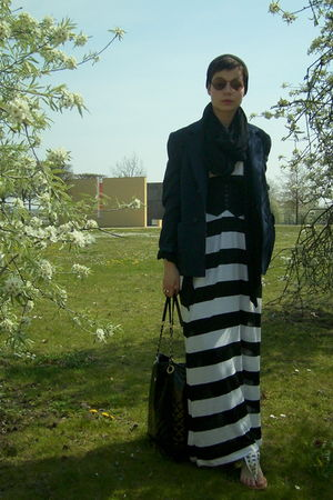 brown vintage glasses - blue vintage blazer - black H&M dress - black vintage be